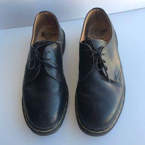 Dr. Martens AW04 Men's Shoes